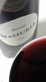 Color del vino Massuria 2012.