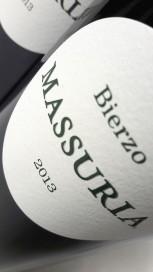 Etiqueta del vino Massuria 2013.