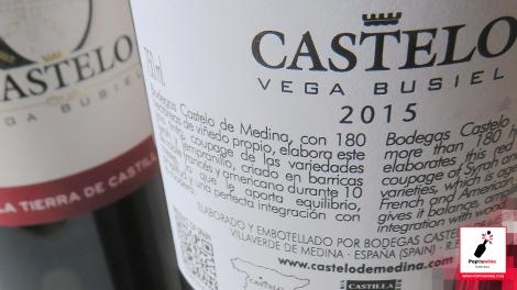 castelo_vega_busiel_detalle_contra_etiqueta_botella