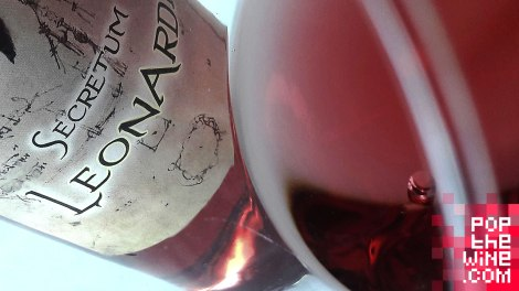 secretum_leonardi_rosado_color_ribete_vino_copa